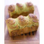 抹茶折り込みパン